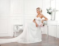 金发婚纱新娘人物摄影高清图片