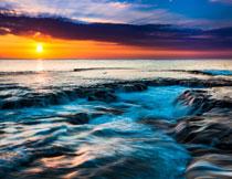 海景与天边的朝霞摄影高清图片