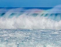 海面之上彩虹水雾摄影高清图片