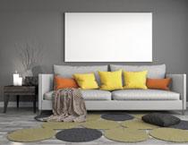 客厅沙发与空白无框画高清图片