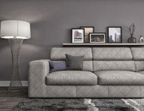 房间沙发与亮着的灯具高清图片