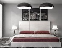 在吊灯下的双人床摄影高清图片