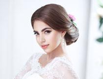 椅子上的新娘美女摄影高清图片