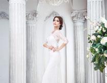 拍摄婚纱照的新娘摄影高清图片
