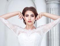 凹造型的新娘美女摄影高清图片