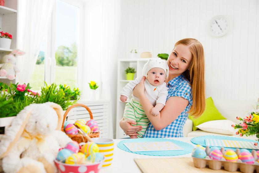 抱着小宝宝的美女摄影高清图片