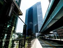 城市高楼大厦与高架桥高清图片