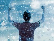唯美的冬季蓝色下雪特效PS动作