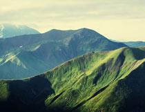 天空白云青山风光摄影高清图片