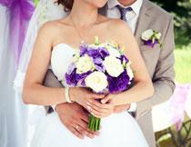 拿捧花的新娘新郎摄影高清图片