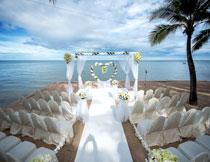 蓝天白云婚礼现场摄影高清图片