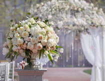 婚礼现场鲜花摆放摄影高清图片