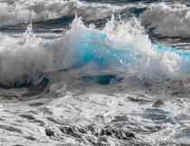 大海上的波涛风光摄影高清图片