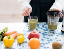 蔬菜水果榨汁情景摄影高清图片