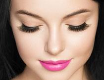 长睫毛的妆容美女摄影高清图片