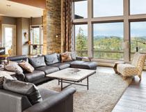 房间内景与窗外的风景高清图片