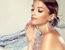 皮肤保湿补水主题摄影美女图片