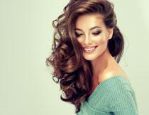 针织装扮长发美女模特摄影图片