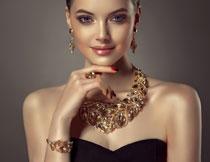 黑色抹胸首饰美女摄影高清图片