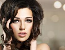大眼睛的妆容美女摄影高清图片