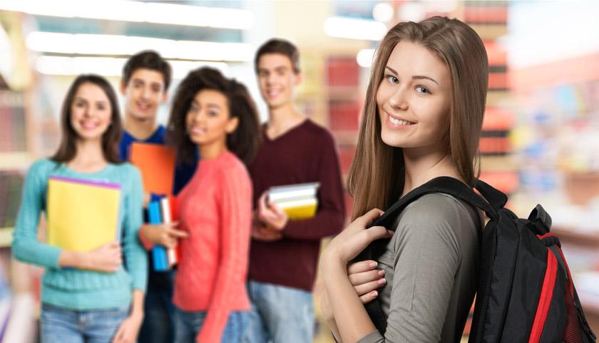开心笑容学生人物摄影高清图片