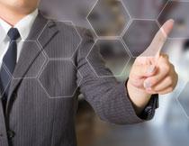 指着几何图的人物手势高清图片