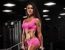粉色打扮健身美女摄影高清图片