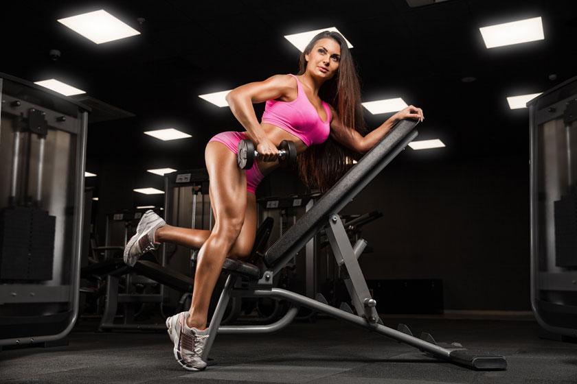 粉红打扮健身美女摄影高清图片