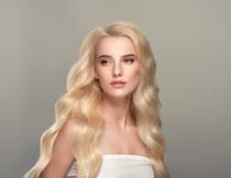 披肩金发美女模特人物高清图片